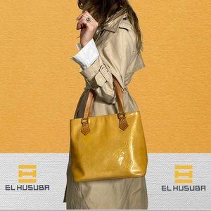 Louis Vuitton Shoulder bag yellow vernis Houston